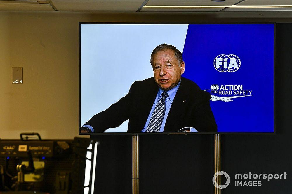 Тодт призвал команды не жаловаться на календарь Формулы 1