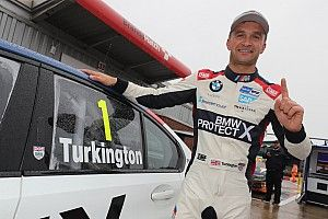 Brands Hatch BTCC: Turkington takes title, Cammish crashes out