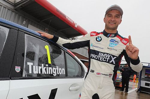 Autosport Awards: Turkington wins National Driver prize