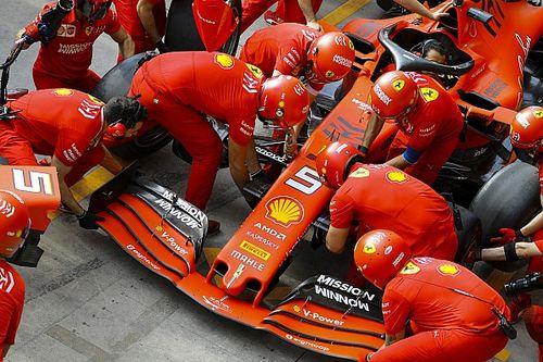 Ferrari-dupla Vettel vezetésével a Brazil GP második szabadedzésén a Red Bull előtt