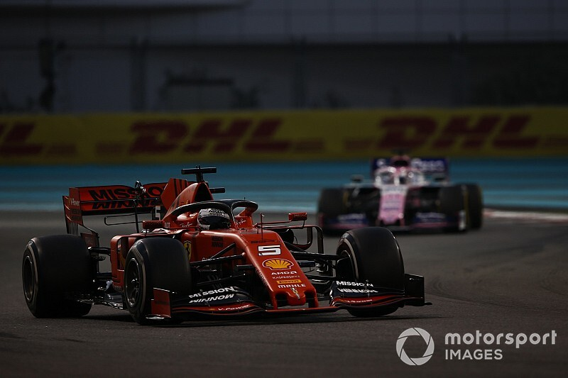 VIDEO: ¡Pérez y Vettel chocan en el test de Abu Dhabi!