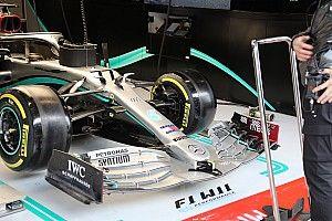 Mercedes W11: prove di flessione dell'ala anteriore