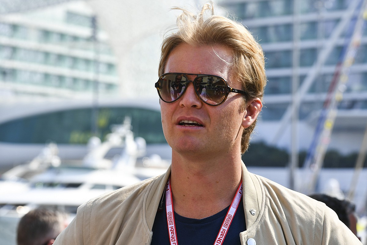 Rosberg: 'Rivalen moeten zwakheden Hamilton herkennen'
