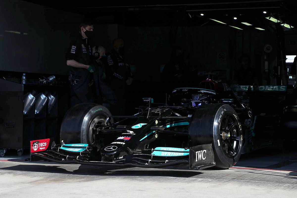 Hamilton happy to end Pirelli F1 tyre test reluctance with view to 2022