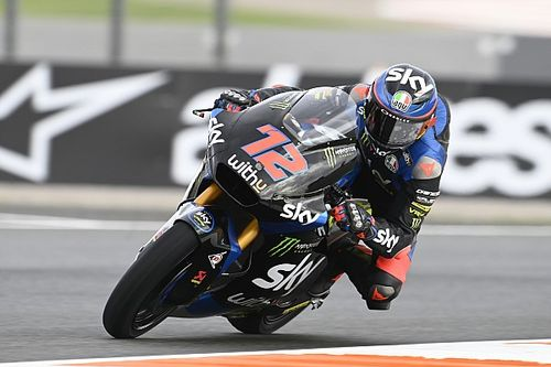 European Moto2: Bezzecchi dominates, Lowes crashes out