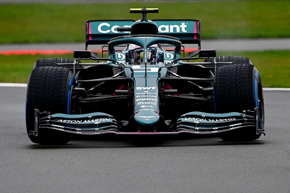 Феттель завершил первую сборку автомобиля Aston Martin F1
