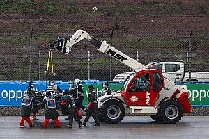 FIA wyjaśnia obecność dźwigu