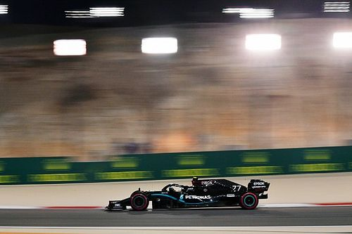 """بوتاس يتطلّع لسباق البحرين رغم تأخّره """"المحيّر"""" خلف هاميلتون في التصفيات"""