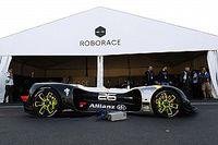 Roborace aracı Paris ePrix öncesi ilk kamuya açık turlarını attı