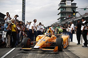 IndyCar Новость Алонсо пообещал прибавить в скорости к финалу квалификации