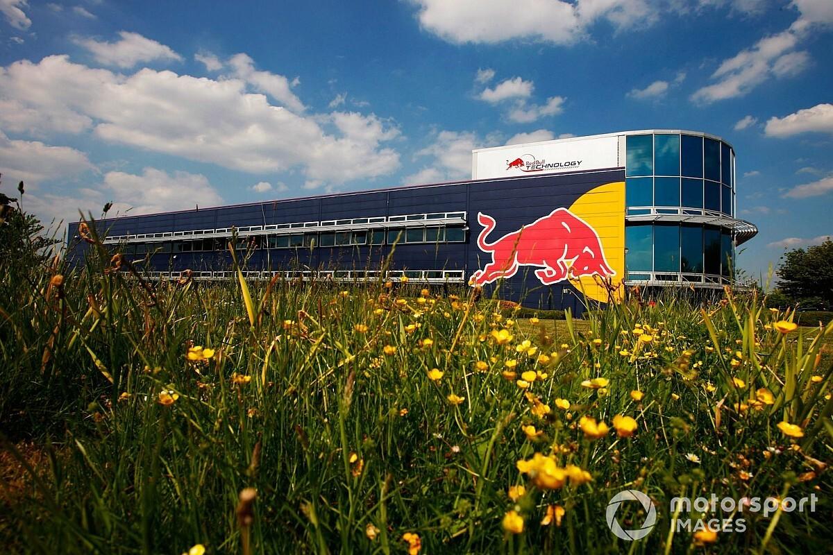 Mercedes en Red Bull houden fabrieken open ondanks coronavirus
