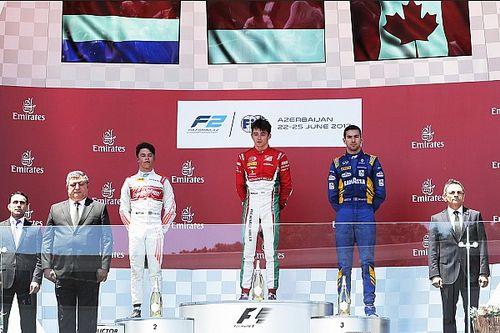 """De Vries na podiumplaats in Baku: """"Bijna blijer dan in Monaco"""""""