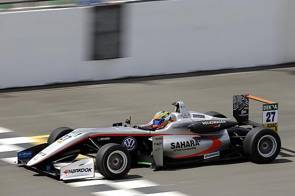 Дарувала выиграл первую гонку Ф3 в карьере