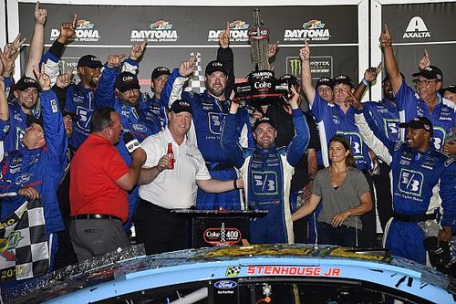 VIDEO: Ricky Stenhouse Jr. y su equipo narran la victoria en Daytona
