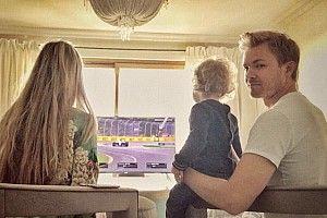 Dari mana juara dunia bertahan F1 menonton GP Australia?