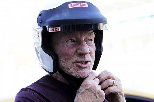 Ator de X-Men corre prova clássica em Silverstone