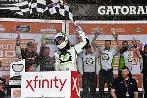 NASCAR XFINITY Crónica de Carrera Reddick gana primer carrera de la temporada con final de foto