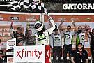 NASCAR XFINITY Reddick gana primer carrera de la temporada con final de foto