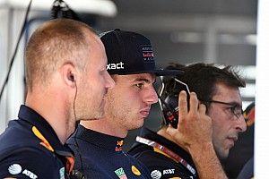 Verstappen kivárja, míg elkopik Vettel alatt az ultralágy gumi