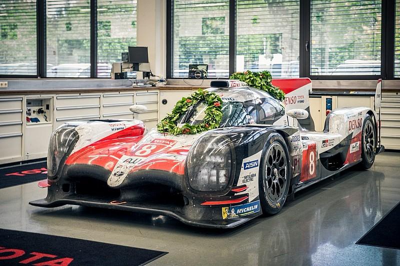 Toyota выставила победивший в Ле-Мане (и очень грязный) прототип в музее