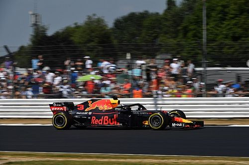 Ricciardo DRS problemine sinirlenmiş