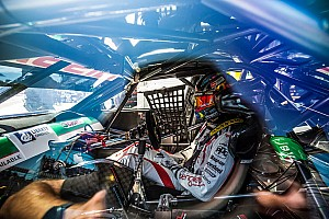 Supercars Practice report Darwin Supercars: Kelly tops opening practice