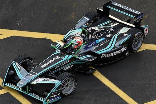 Mesmo fora do top-10, Nelsinho aprova estreia na Jaguar