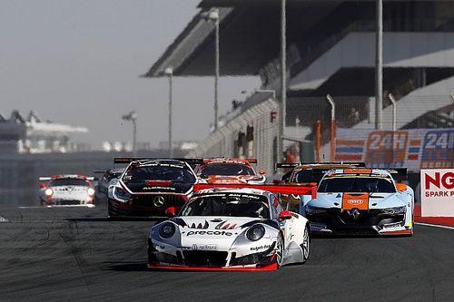 24h Dubai 2018: Zweikampf zwischen Mercedes und Porsche