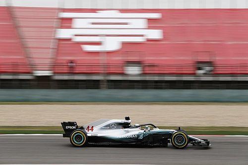 Hamilton blijft Raikkonen nipt voor in tweede training, Verstappen op P5