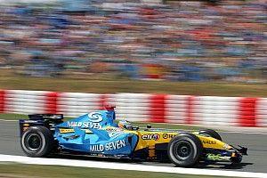 La historia del color azul y amarillo del Renault de Alonso