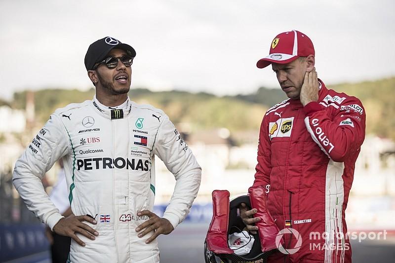 """Hamilton geniet van gevecht: """"Moeilijkste jaar tegen zwaarste tegenstander"""""""