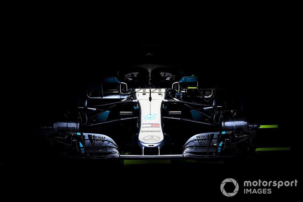 Újabb remek felvételek a Mercedes F1-es tesztjéről