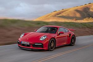 Nuova Porsche 911 Turbo S, 640 CV alla prova in California