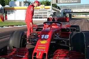 """Hivatalos videón a Ferrari különleges """"visszatérése"""" Leclerc-kel"""