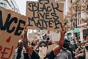 Hamilton scende in piazza per Black Lives Matter