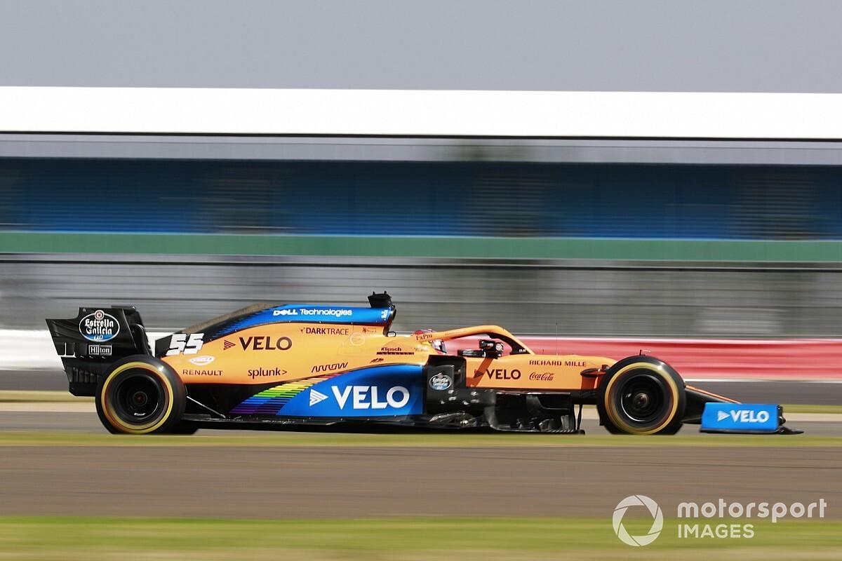 """McLaren cooling problem a """"question mark"""", says Sainz"""