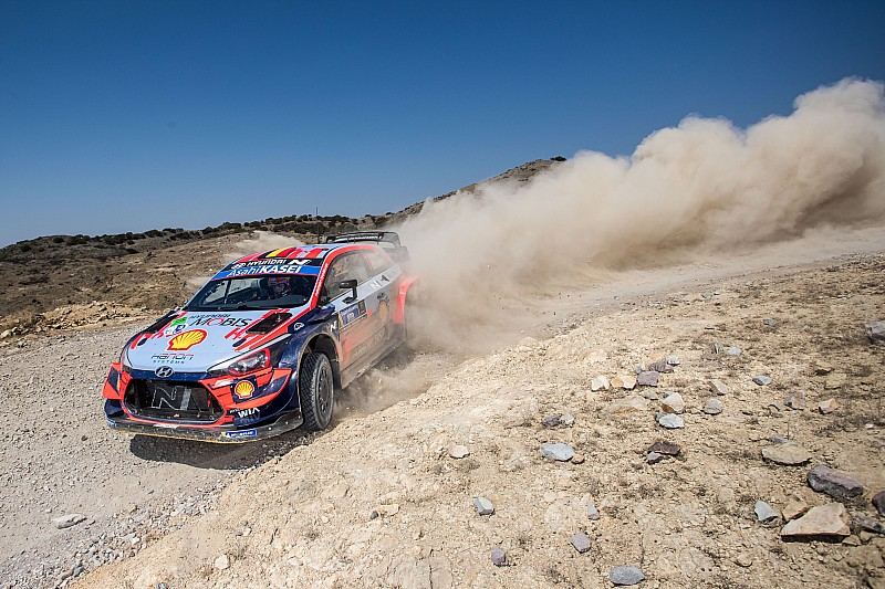 Mexico WRC: Ogier in control as Neuville shuffles the deck