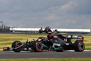 F1イギリスGP決勝速報:終盤に大波乱! ハミルトンがタイヤを引きずりながら優勝