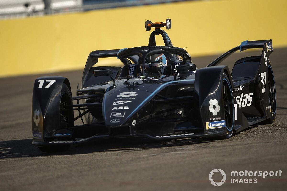 Berlin E-Prix 2. antrenman: De Vries ve Mercedes lider