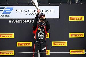 Mazepin gana la carrera principal en Silverstone