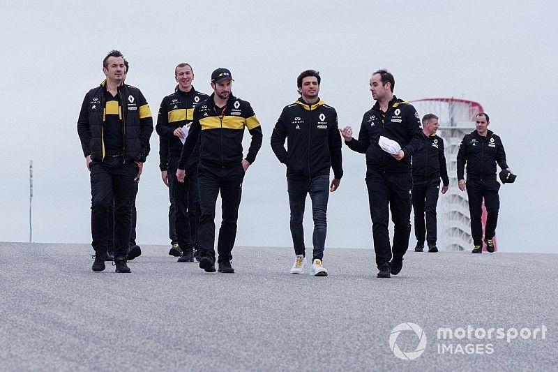 """Sainz, """"optimista"""" ante el trabajo en el motor Renault para 2019"""