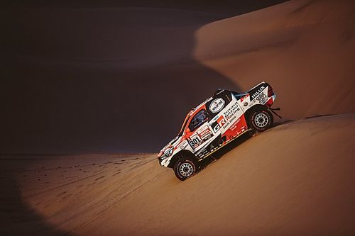 Fernando Alonso soll Toyotas Rallye-Dakar-Fahrzeug testen