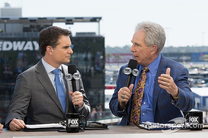 Jeff Gordon to continue as Fox Sports analyst in multi-year deal