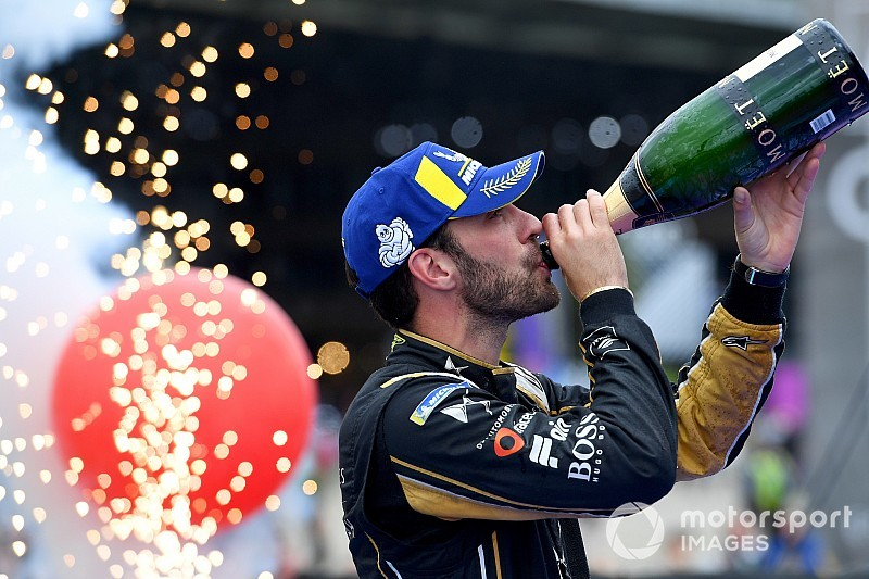 Swiss E-Prix: Vergne beats Evans as dramatic pile-up stops race