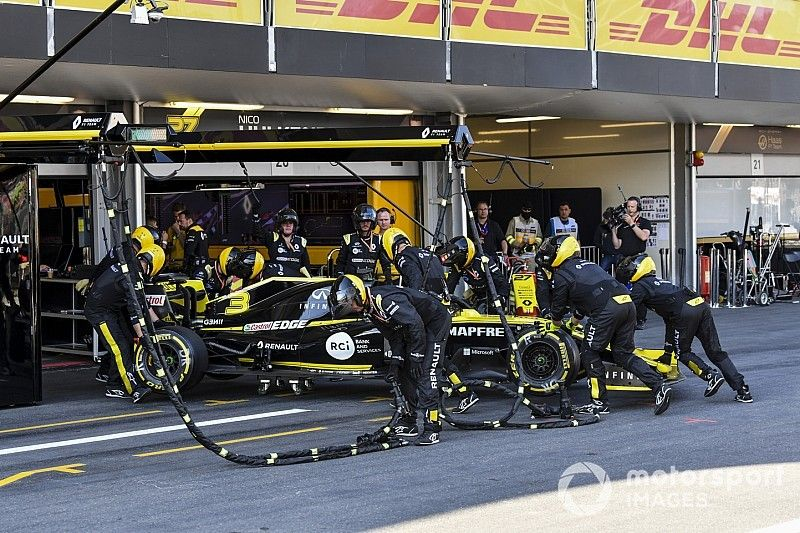 """Ricciardo """"gutted"""" his """"silly mistake"""" spoiled Renault recovery"""