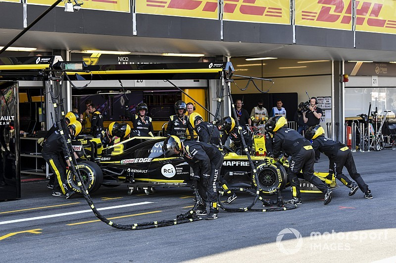 "Ricciardo ""gutted"" his ""silly mistake"" spoiled Renault recovery"