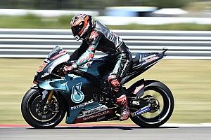 Куартараро выиграл в Ассене третий поул в дебютном сезоне, Росси не прошел в Q2