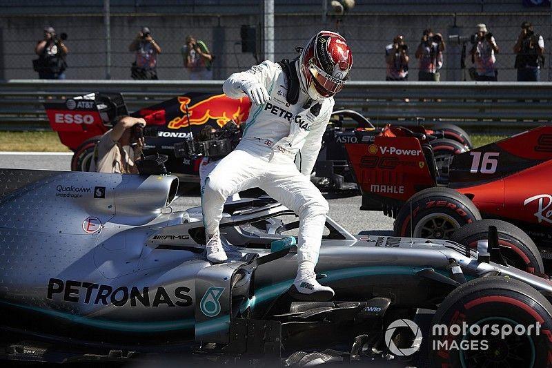 ¿Por qué Hamilton, con tres posiciones de sanción, sale 4º y no 5º?