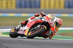 Márquez faz volta mais rápida e cai, mas garante pole em Le Mans
