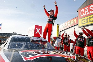 Christopher Bell tops Cole Custer for Iowa Xfinity win